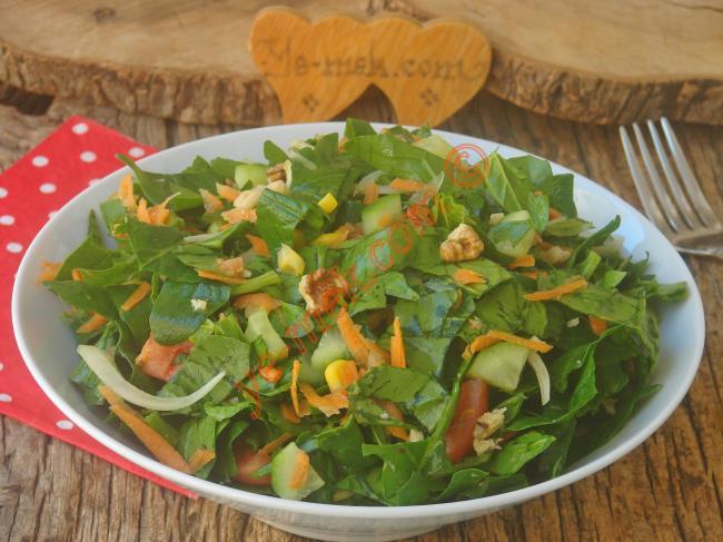 Çiğ Ispanak Salatası