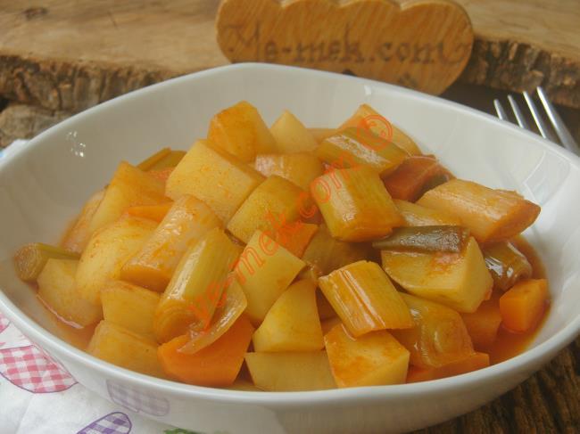 Patates Ve Pırasanın Muhteşem Uyumu : Patatesli Pırasa Yemeği