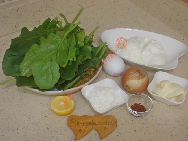 Terbiyeli Ispanak Çorbası İçin Gerekli Malzemeler :  <ul> <li>100 gr ıspanak</li>         <li>1 adet küçük boy soğan</li>         <li>2 yemek kaşığı sıvı yağ</li>         <li>4,5 su bardağı su</li>         <li>Tuz</li>         <li><strong>Terbiyesi İçin:</strong></li>         <li>5 yemek kaşığı yoğurt</li>         <li>1 adet yumurta sarısı</li>         <li>1 yemek kaşığı un</li>         <li>1-2 damla limon suyu</li> <li><strong>Üzeri İçin:</strong></li> <li>1 yemek kaşığı tereyağı</li>         <li>1 tatlı kaşığı kırmızı pul biber</li>  </ul>