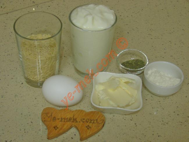 Terbiyeli Yoğurt Çorbası Malzemeleri