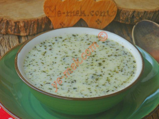Dumanı Üzerinde, Tadı Tam Yerinde, Nefis Bir Çorba : Terbiyeli Yoğurt Çorbası