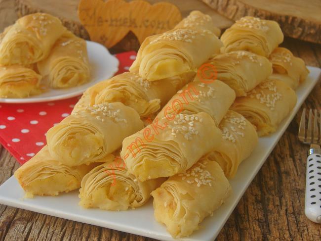 Hazır Yufka İle Değil Elde Açılmış Tadı Veren Leziz Bir Börek : Patatesli Çıtır Börek