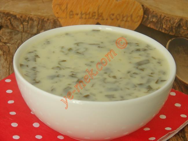 Yoğurtlu Ispanak Çorbası