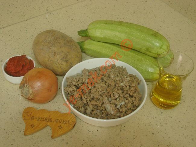 Kıymalı Patatesli Kabak Yemeği Malzemeleri