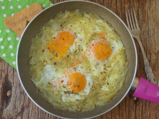 Saray Mutfağının En Güzel Kahvaltılıklarından (Yemelere Doyamayacaksınız) : Soğanlı Yumurta