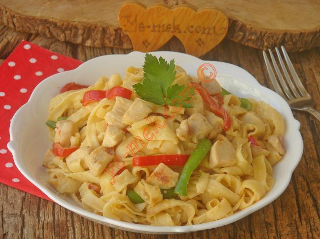 Yapıp, Yiyebileceğiniz En Lezzetli Makarna Tarifi Olmaya Aday  : Tavuklu Krep Makarna