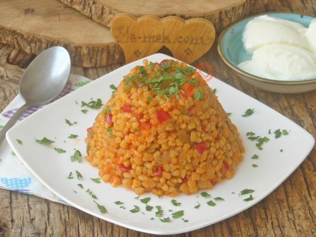 Sebzeler İle Tatlandırılan Nefis Bir Pilav : Buğday Pilavı