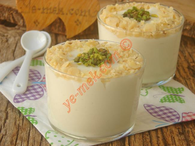 Dondurma Tadında Nefis Bir Muhallebi : Krem Şantili Muhallebi