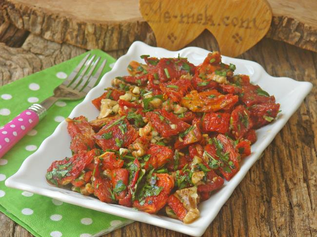 Kuru Domates Salatası