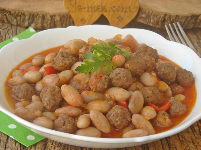 Sofralarınıza Lezzet Katacak Nefis Bir Yemek : Köfteli Barbunya Yemeği