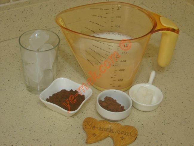 Buzlu Soğuk Türk Kahvesi Malzemeleri
