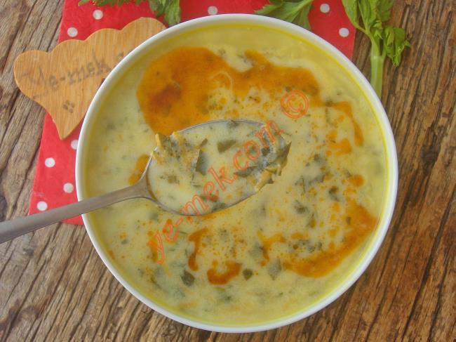 Bütün Kış Yapmak İsteyeceksiniz, Çok Özel Bir Çorba : Kereviz Yaprağı Çorbası