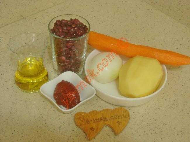 Kırmızı Fasulye Yemeği Malzemeleri