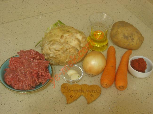 Kıymalı Kereviz Yemeği Malzemeleri