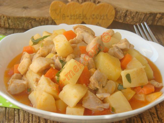 Tavuk Kerevize Bu Kadar Mı Güzel Yakışır  : Tavuklu Kereviz Yemeği