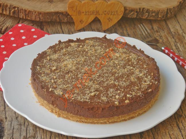 Ağızda Eriyip Giden Çikolatası İle Bambaşka Bir Lezzet : Çikolatalı Mousse Pasta