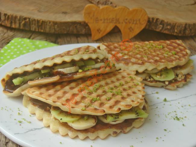 Waffle Makinesine Hiç Gerek Yok, Sadece Tost Makinesi Yeter : Waffle