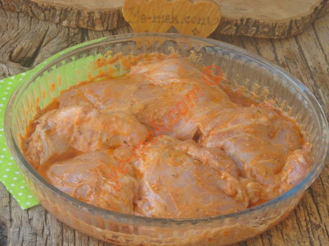 Yoğurt İle Tavuk Eti Marinesi