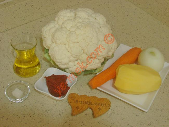 Zeytinyağlı Karnabahar Yemeği Malzemeleri