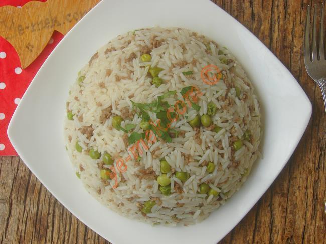 Deneyenin Vazgeçemeyeceği Eşsiz Bir Pilav : Kıymalı Pirinç Pilavı