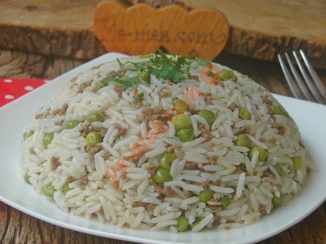 Kıymalı Pirinç Pilavı