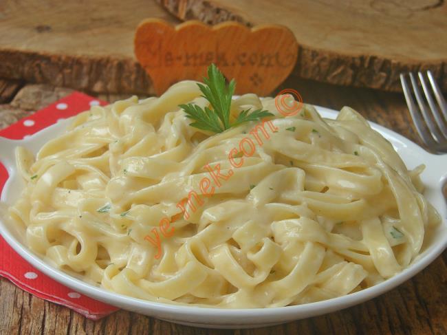 İtalyan Mutfağının Eşsiz Lezzetlerinden : Alfredo Soslu Fettuccine