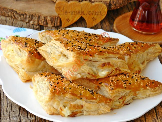Milföy Böreği Sosisli