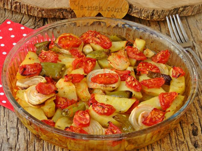 Patatesi Bir de Bu Tarifle Deneyin : Fırında Patates Yemeği