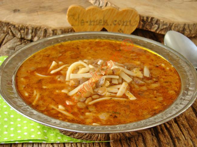 Afyon Yöresinin Çok Bereketli Bir Yemeği : Sakala Çarpan Çorbası