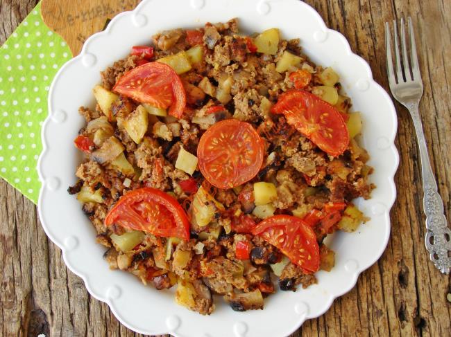 Yapması Çok Kolay, Enfes Bir Ana Yemek : Sebzeli Fırın Tava