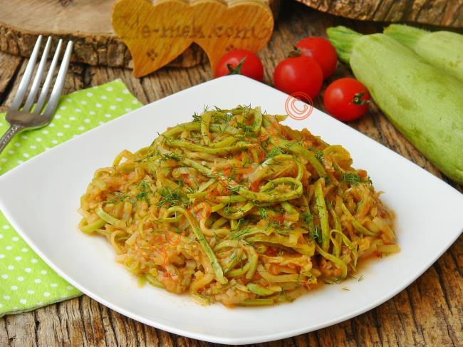 Her Akşam Yapıp Yemek İsteyeceksiniz : Kabak Spagetti