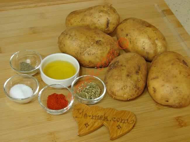 Tavada Baharatlı Patates Kızartması - Yapılışı (1/12)