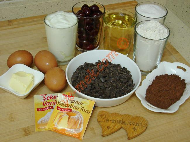 Vişneli Çikolatalı Kek - Yapılışı (1/16)