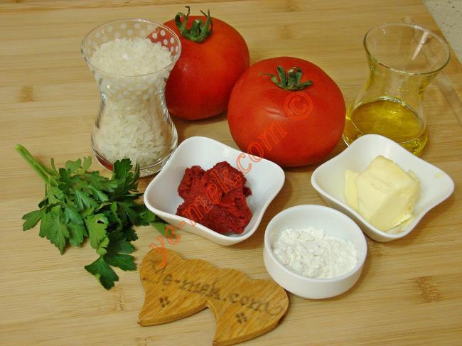 Pirinçli Domates Çorbası - Yapılışı (1/12)
