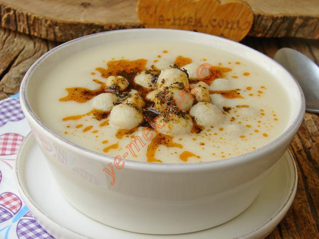 Yoğurtlu Topalak Çorbası