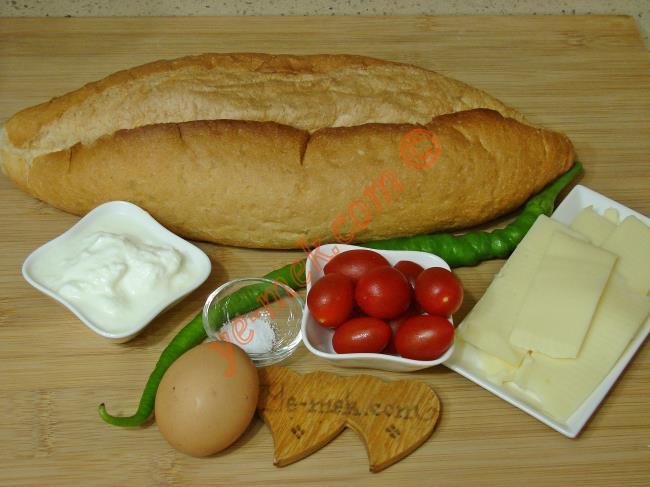 Fırında Yoğurtlu Ekmek Pizzası - Yapılışı (1/12)
