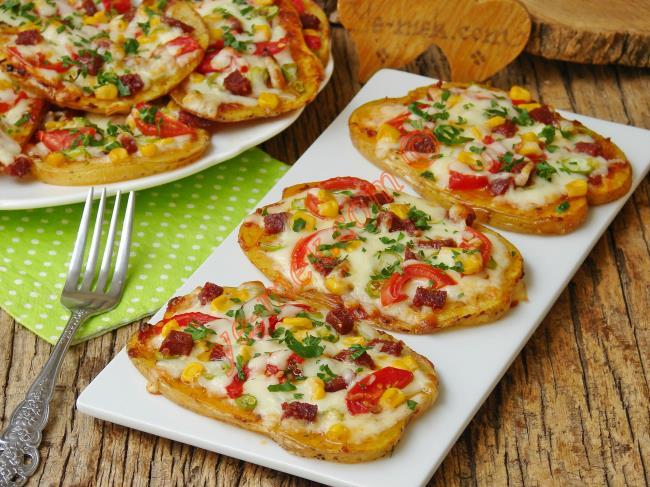 Hiç Hamur Açma Derdi Yok : Fırında Patates Pizzası