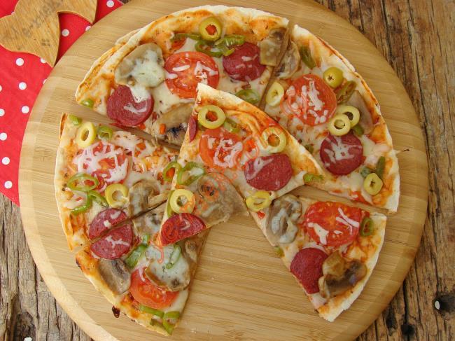 5 Dakikada Şipşak Pizza : Tavada Lavaş Pizza