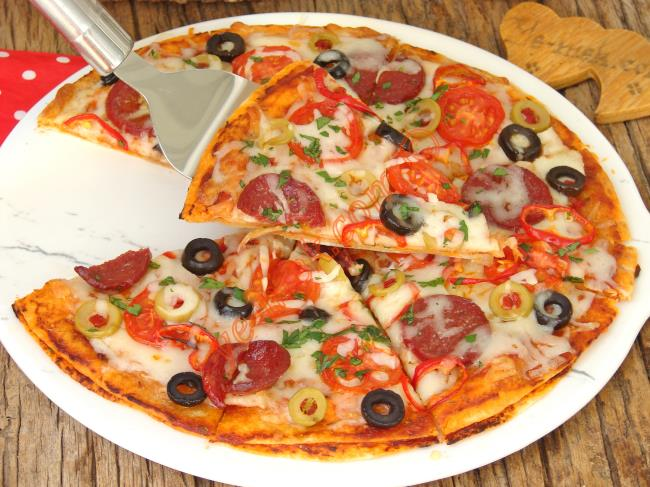 Evde Yapabileceğiniz, En Kolay, En Pratik Pizza : Fırında Lavaş Pizza