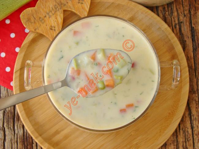 Bu Çorba Böyle Yapıldımı Bir Başka Güzel Oluyor : Kremalı Sebze Çorbası