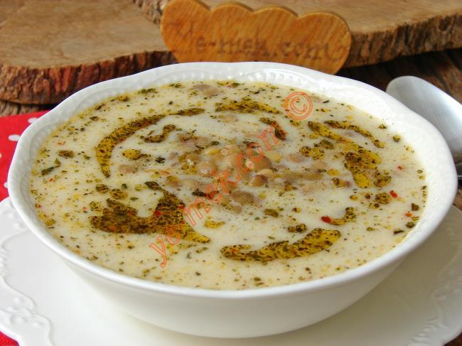 Yoğurtlu Yeşil Mercimek Çorbası