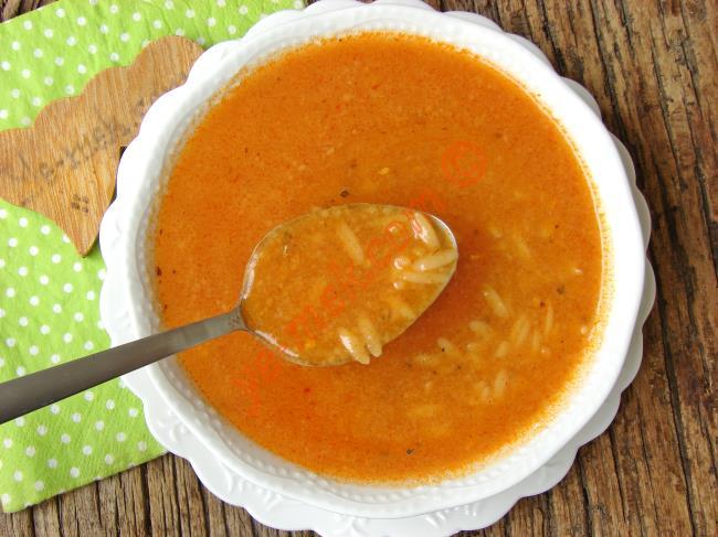 Arpa Şehriyeli Tarhana Çorbası