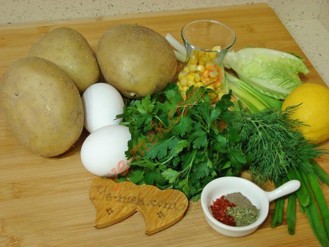 Yumurtalı Patates Salatası - Yapılışı (1/8)