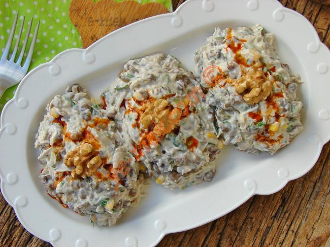 Hem Lezzetli Hem Pratik Hem De Doyurucu : Tavuklu Yoğurtlu Mercimek Salatası