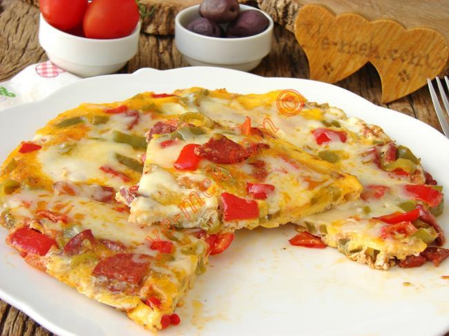 Kahvaltıda Kapış Kapış Gider : Biberli Sucuklu Yumurta