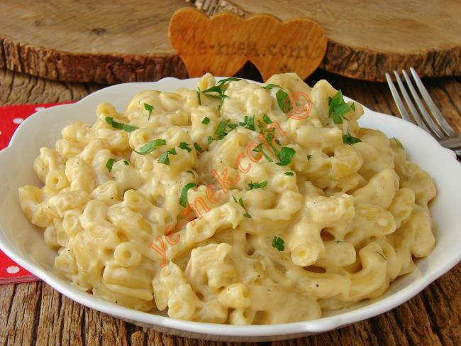 Yemelere Doyamayacağınız Enfes Bir Lezzet : Mac And Cheese Makarna