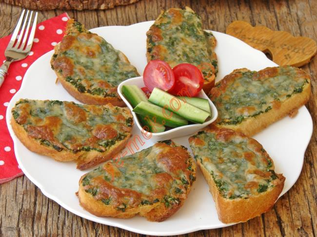 10 Dakika Da Hazır, Pratik Ve Enfes Bir Lezzet : Sarımsaklı Ekmek Dilimleri