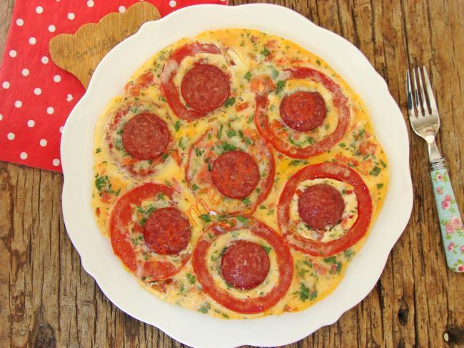 Kahvaltı Sofralarının Yıldızı Olacak Enfes Bir Lezzet : Tavada Domates Pizzası