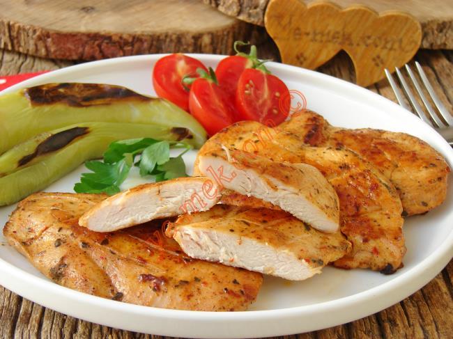 Enfes Sosu İle Lokum Gibi Yumuşak : Tavuk Göğsü Kızartması