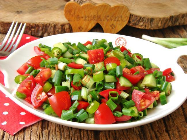 Taze Soğan Salatası